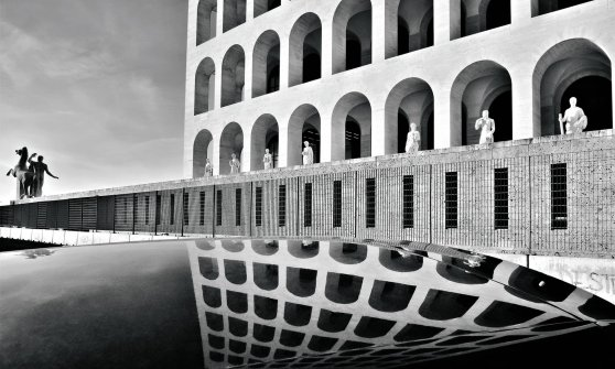Square Colosseum: from architectural austerity to luxury fashion