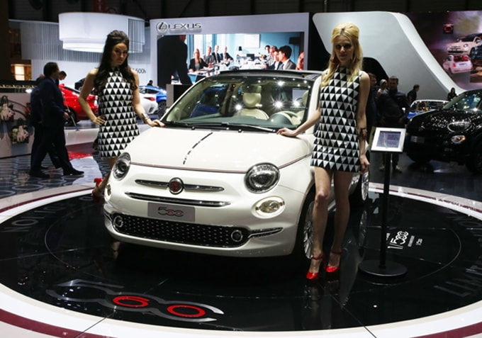 Fiat 500 Collezione unveiled at the Geneva Motor Show