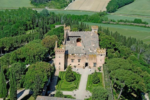 Brunelleschi castle for sale near Florence