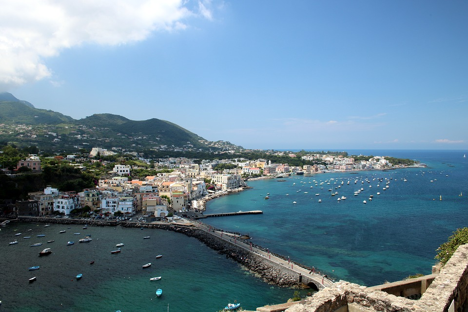 Ischia and the film industry, a long-lasting love