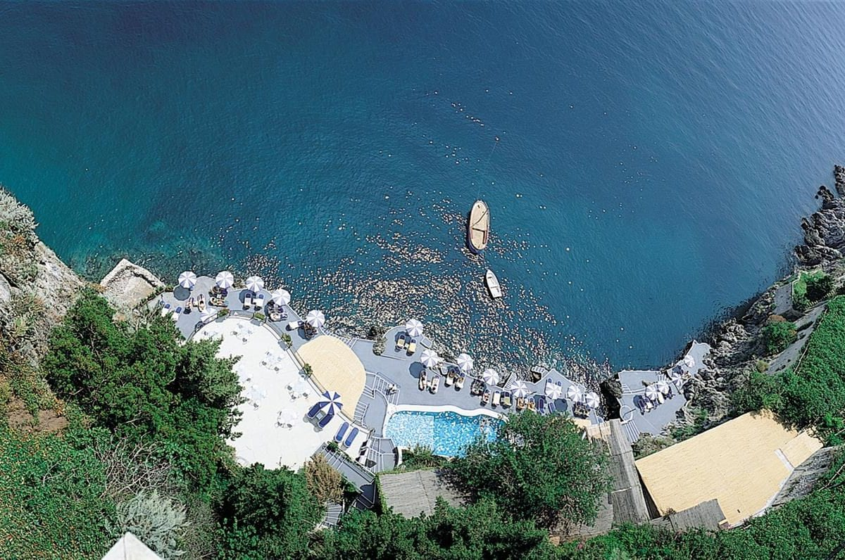 A little heaven in the amazing panoramas of the Amalfi Coast