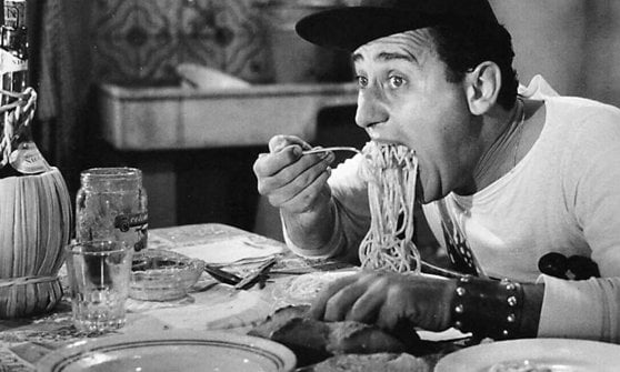 Memorable food scenes with Alberto Sordi